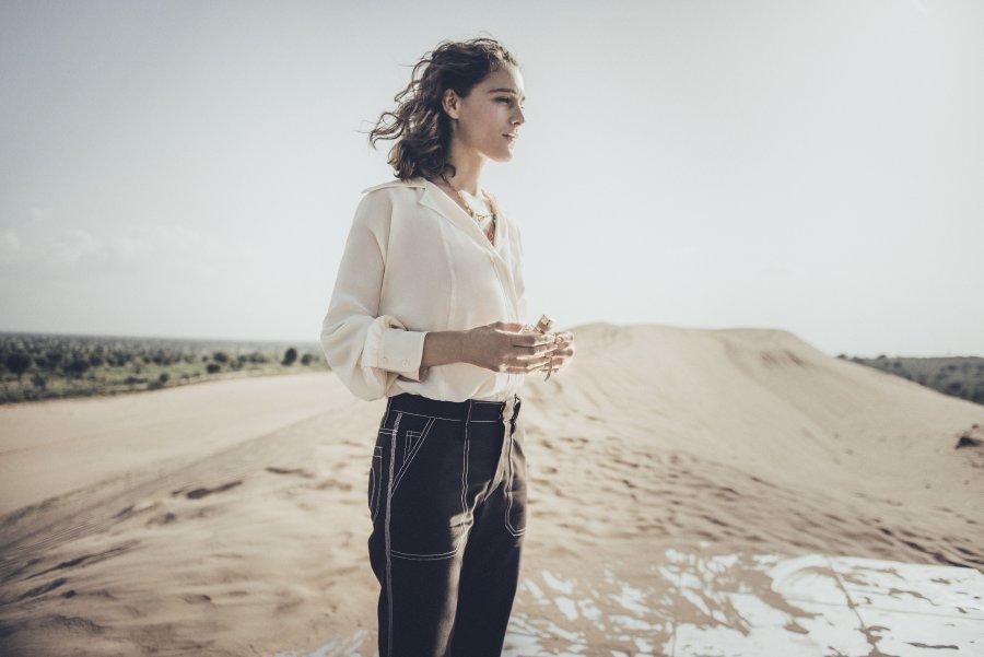 Ariane Labed تعترف لمحاور المشاهير عدنان الكاتب.. أشعر أني غريبة في بلدي