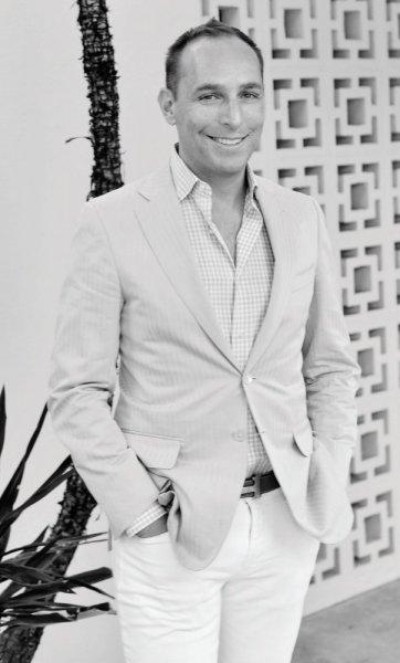 محاور المشاهير عدنان الكاتب يحاور مؤسس موقع 11Honore للمقاسات الكبيرة