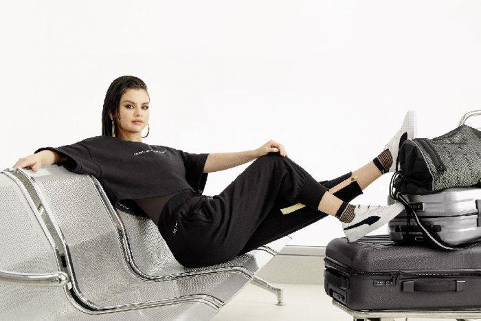 محاور المشاهير عدنان الكاتب يحاور النجمة Selena Gomez سيلينا غوميز